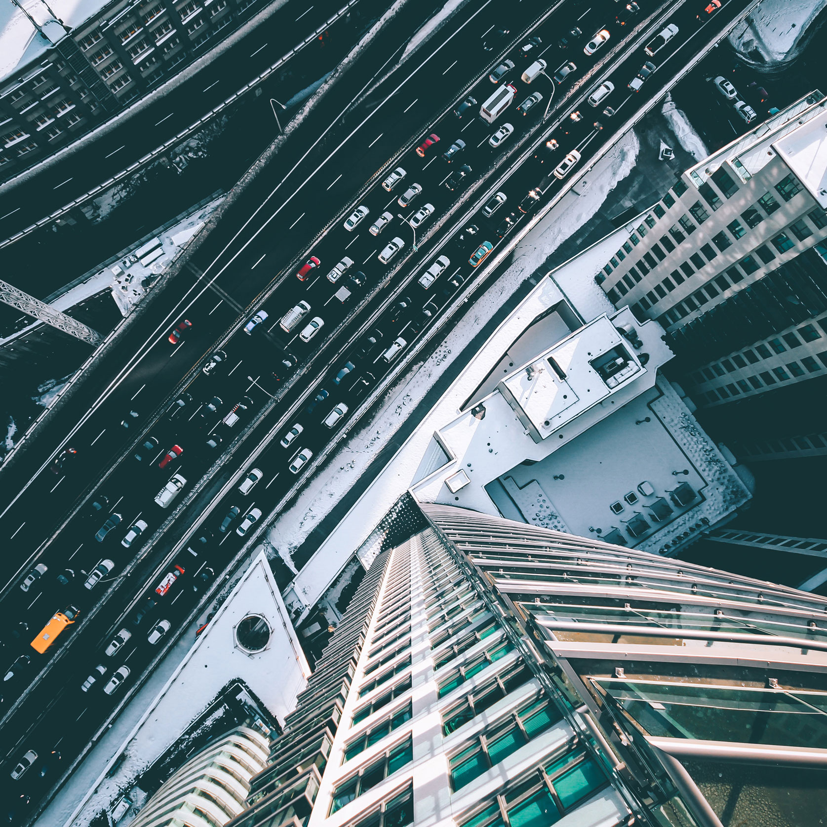 bird-s-eye-view-buildings-cars-373974_2